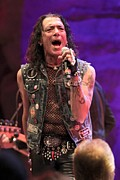 Front Row  Photographs  - Stephen Pearcy