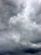 Overcast Art - Storm clouds by Les Cunliffe