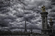 James Bethanis - Storm Comes To Paris