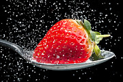 Simon Bratt Photography - Strawberry sprinkled...