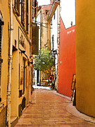 St.tropez Digital Art Prints - Streets of old St Tropez 2 Print by Rod Ohlsson