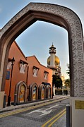 Sultan Mosque Arab Street Thru Arch Singapore Print by Imran Ahmed