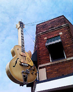 Tennessee Landmark Prints - Sun Studio Entrance Print by Suzanne Barber