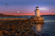 Sea Moon Full Moon Posters - Sunrise at Bug Light Poster by Susan Candelario