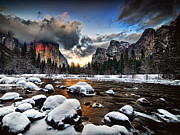 Prints Pyrography Posters - Sunset in Yosemite Valley Poster by Peter Dang