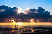 Photografie Prints - Sunset Walk Print by Tony Buchwald