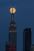Landscapes Posters - Super Moon In An Empire State Of Mind Poster by Susan Candelario
