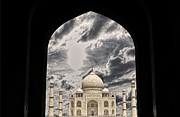 Vineesh Edakkara Prints - Taj Mahal -A Monument of Love Print by Vineesh Edakkara