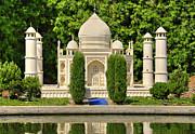 Taj Mahal Print by Ricky Barnard