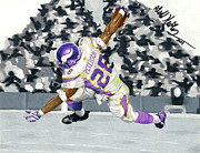 Adrian Peterson Posters - Taking flight Poster by Geoff Hinkley