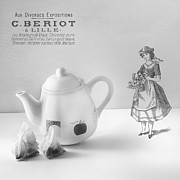 Teapot Photo Framed Prints - Teapot Framed Print by Ian Barber