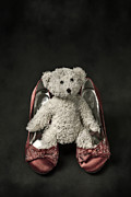 Red Shoe Prints - Teddy In Pumps Print by Joana Kruse