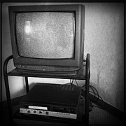 Blank And White Framed Prints - Television and recorder Framed Print by Les Cunliffe