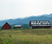 Tennessee Barn Prints - Tennessee Barn Print by Roger Potts