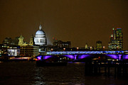 Yiannis Zach - Thames @ Night