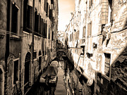 The Back Canals Of Venice Print by Pat Cannon