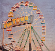 Michelle Gross - The Ferris Wheel