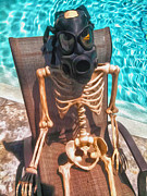 Gregory Dyer - The Gas Mask Skeleton