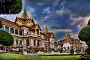 Gilt Framed Prints - The Majestic Grand Palace Bangkok  Framed Print by David Smith