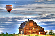 Scott Mahon - The Old Barn and Balloon