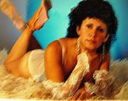 Leslie Hunziker - The Pose
