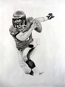 Quarterback Drawings - The Scramble by William Walts