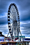 Ferris Wheels Framed Prints - The Seattle Great Wheel Framed Print by David Patterson