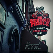 Linda Unger - The Second Fiddle