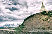 Gail Gates - The Sky The Chorten The...