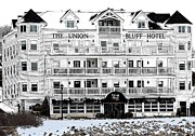 Short Sands Prints - The Union Bluff Hotel Print by Nina-Rosa Duddy