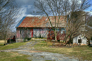 Old Barns Photo Prints - Thurmont Barn Print by Joan Carroll