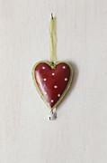 Sandra Cunningham - Tin heart hanging on wood