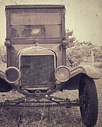 Headlight Photo Metal Prints - Tin Lizzy Metal Print by Edward Fielding