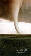 Omikron Science Source - Tornado in Hardtner Ks-1929