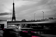 Oleg Koryagin - Tour Eiffel B and W