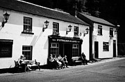 Village Life Prints - Tourists Outside Fitzgeralds Pub In The Village Of Avoca From The Tv Series Ballykissangel Print by Joe Fox