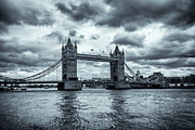 A Souppes - Tower Bridge Black and...