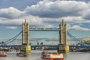A Souppes - Tower Bridge London...