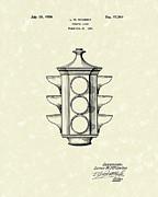 Traffic Light 1924 Patent Art Print by Prior Art Design