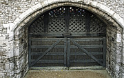Tower Of London Photos - TRAITORS GATE 2 - TOWER of LONDON by Daniel Hagerman