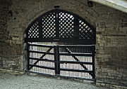 Tower Of London Photos - TRAITORS GATE - TOWER of LONDON by Daniel Hagerman