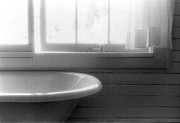 Lyle Crump - Tub By The Window 2BW