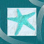 Turquoise Seashells Xvi Print by Lourry Legarde