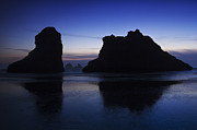 Beach Photograph Photos - Twilight on the Oregon Coast by Andrew Soundarajan