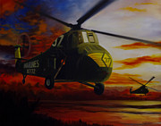 Corps Painting Originals - UH-34D Over the Beach by Stephen Roberson