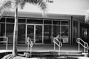 Vacant Prints - Vacant Empty Strip Mall In Kissimmee Florida Usa Print by Joe Fox