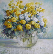 Elena Oleniuc - Vase of chrysanthemums