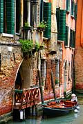 Venice Getaway Print by Mariola Bitner
