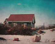 Brooke Ryan - Vintage Beach Cottage