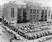 E Black Photo Prints - Vintage Chicago Stadium Print - Historical Blackhawks Black  White Print by Horsch Gallery